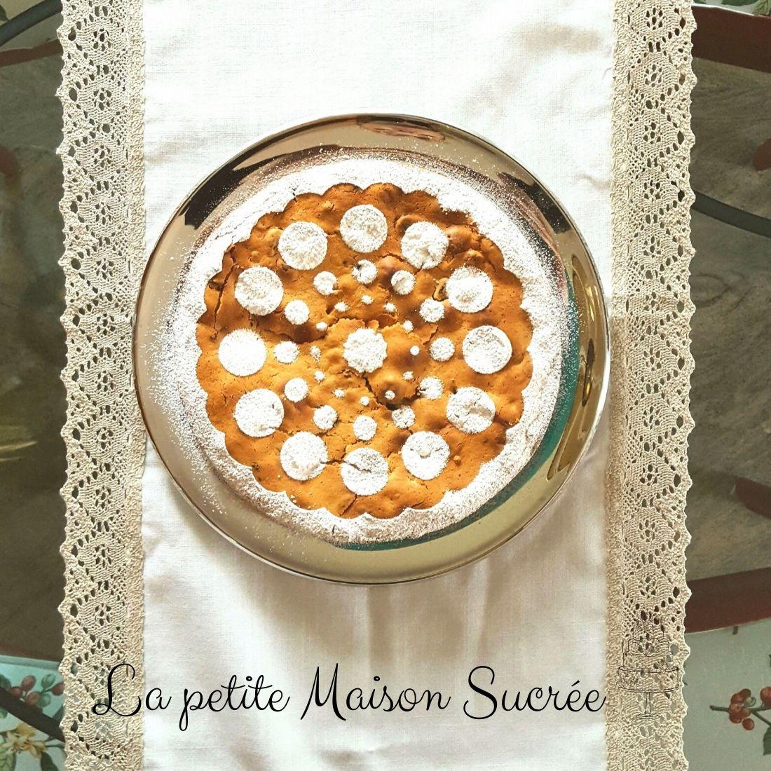 Torta mascarpone, yogurt e frutti rossi